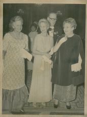 On the royal dinner fr. v. Monica Hafström, the fiancé Susan of Ugglas and Hjördis Petterson