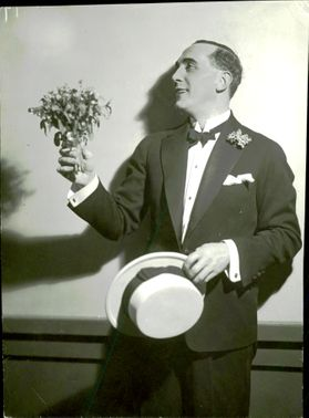Lars Egge, operetta singer, actor and theater director