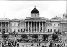 The National Gallery in London. A picture of the exterior and visitors.