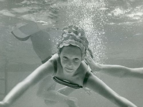 The opening of the swimming pool at Hotel Foresta on Lidingö, An underwater image.
