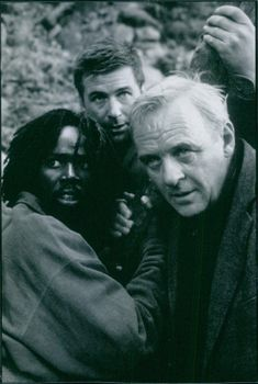 Alec Baldwin, Anthony Hopkins and Harlod Perrineau in the 1997 film The Edge.