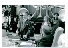 A scene from the film Richie Rich.