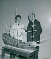 Maritime Museum: Conservator Svensson with Museo Director Albe