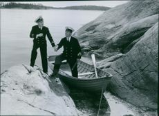 Åke Söderblom as Åke Hjelm, cadet trainee and Erik 'Bullen' Berglund as mate Johansson in a scene from the film Kadettkamrater (Cadet Comrades), 1939.