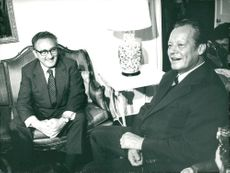 Henry Kissinger in meeting with Willy Brandt