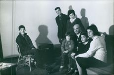 Gaston Naessens photographed with his family. 1964.