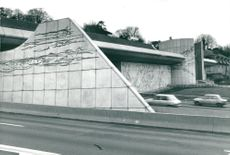 Bengt Olson, artist. From 1977 to 1978 he performed a large-scale work of natural concrete to the Porte Saint-Cloud tunnel