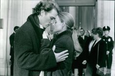 Matthew McConaughey as Palmer Joss and Jodie Foster as Dr. Eleanor