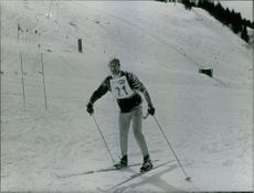 Giscard d'Estaing skiing.