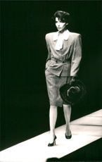 Fashion Show of Armani's Suit for Women