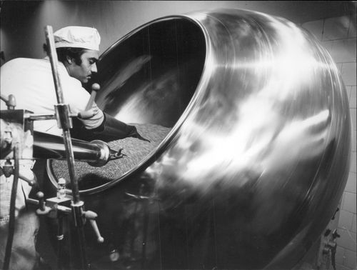 Coating drum at Beohringer Knoll Ltd. Factory in Bombay
