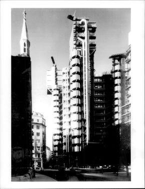Lloyd's new building in London by architect Richard Rogers & Partners