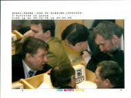 Vladimir Zhirinovsky gives recommendations to his colleagues.