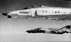 American military aircraft of the type 5000TH Phantom.