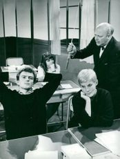 """Ove Stefansson, Anita Hoppeler and Ingela Romare in """"Window at the ears"""""""