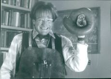 1997  Robin McLaurin Williams standing in the movie Flubber.
