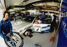 The whole team is working fully to give Rickard Rydell optimal material conditions during the race at Brands Hatch.