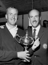 Portrait of the golfers Bob Beatti and Bruce Grafton with a cup