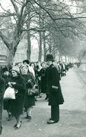 Mourners during the funeral of Winston Churchill, Jan 1965.