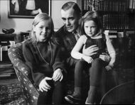 Sixten Ehrling together with daughters Ann Charlotte and Elisabeth.