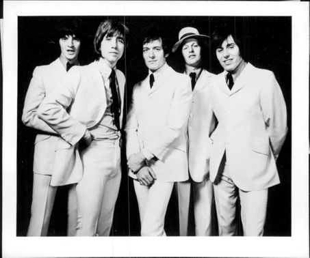 Terry Sylvester, Tony Hicks, Allan Clarke, Bobby Elliot and Bernie Calvert in the pop group The Hollies