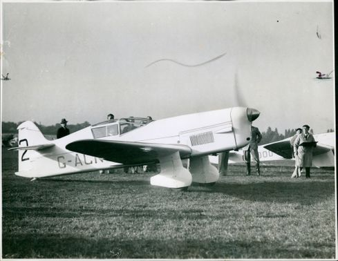 The Percival Mew Gull:the kings cup air race.