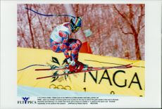 Jean-Luc Cretier, France, mastered the jumps in the run-up and took home the gold medal in Nagano OS.