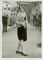 Next season's mother at the London exhibit in smoking suit in September 1927