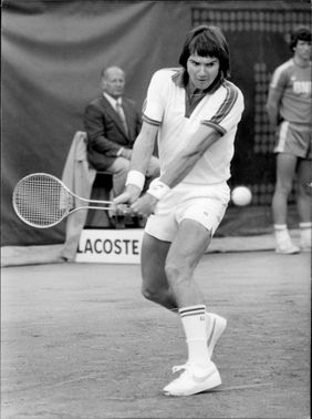 Jimmy Connors in action under Roland-Garros, French open