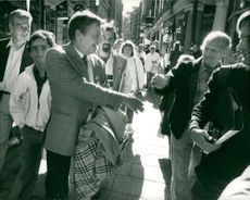 There were many who wanted to push Olof Palme's hand and congratulate on continued government ownership when he went to work in the morning after the election night