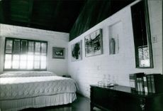 A photo of a Canadian-American Actor Raymond Burr interior room.