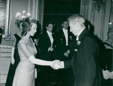King's day at the castle. Princess Christina greets m-leader Gösta Bohman welcome to supén