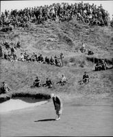 Golf player Bobby Locke misses a putt at the 6th hole during the British Open in 1953