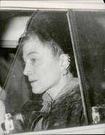 Actress Sarah Churchill leaves Hyde Park Street 28 after visiting her dad