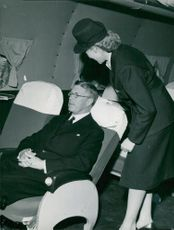 St. Eriksmässan. The air hostess Brita Booge demonstrates SAS's comfortable airliners for the Crown Prince