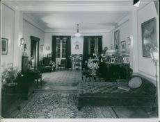 A view of Einar Beyron and Brita Hertzberg room, 1937.