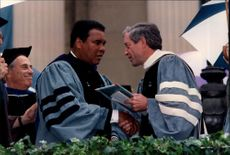Muhammad Ali receives the award as honorary doctorate of the director at Columbia University.