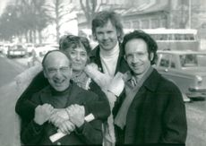 "Werner Wolf Glaser, Ingrid Rosell, Ulf Björlin and Etienne Glaser outside the theater in Gothenburg where the premiere of ""A Naked King"" will be released"