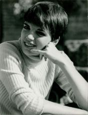 Liza May Minnelli in a portrait.