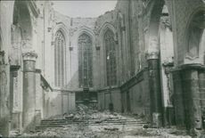 Photo of a bombed church.