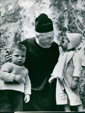 Maurice Chevalier with his children.