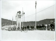 Toini Gustafsson heading for goal in 5 km: s-race during the Winter Olympics in 1968