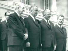 Dean Rusk, Lyndon Johnson, Kurt Georg Kiesinger och Willy Brandt under Konrad Adenauers jordfästning