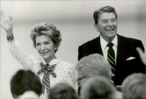 US President Ronald Reagan and his wife Nancy at Andrews Air Force Base
