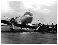 One of Linjeflyg DC-3s had to make an emergency landing at Bromma airport when the marker lights did not work.