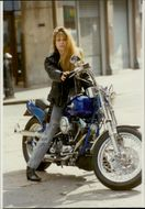 """Portrait image of Linda Hamilton taken in conjunction with the launch of """"Terminator 2""""."""