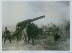Italy at war. A striking photo showing Italian Artillery in action. 1915.