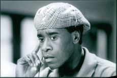 """Don Cheadle in a scene from the film """"Volcano"""". 1997"""