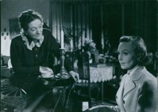 Hjördis Olga Maria Petterson and  Inga Sofia Tidblad from the film Divorced, 1951.