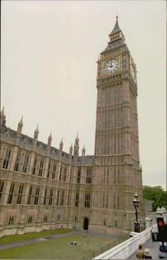 Photography in color on the English Parliament and Big Ben.